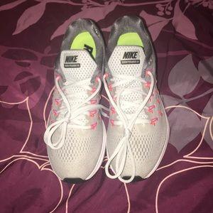 Women's Nike Zoom Size 8.5